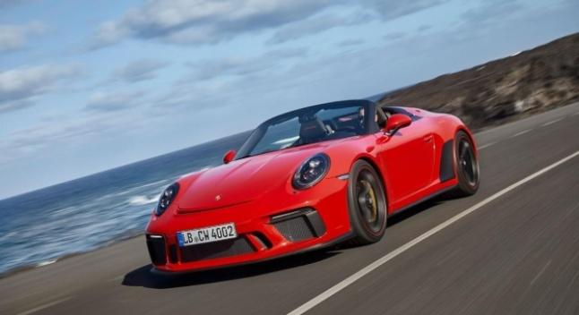Porsche-ს განცხადებით, ის წელიწადში მხოლოდ ორ იდენტურ სპორტულ მანქანას აწარმოებს