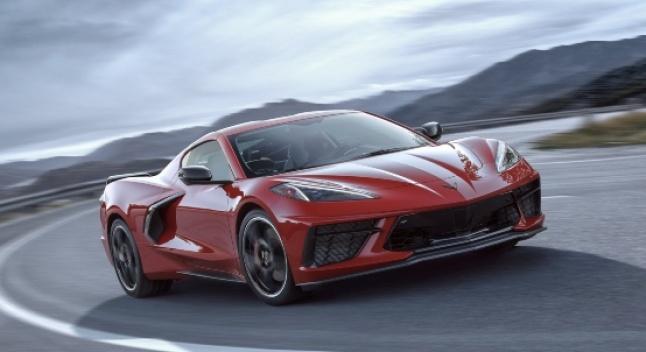 2020 წლის Chevrolet Corvette C8 - შუაძრავიანი სპორტული მანქანა ყველასთვის