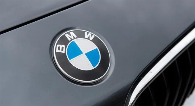 უსაფრთხოების ხარვეზის გამო, BMW ბრიტანეთიდან 300 000 ავტომობილს უკან იწვევს